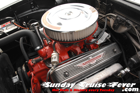 1957 Ford Skyliner, 312 Thunderbird Special motor